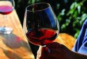 Weinglas mit Rotwein.bmp